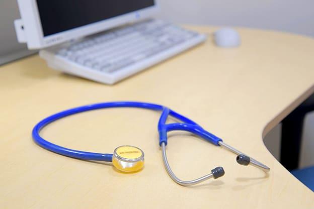 青い聴診器